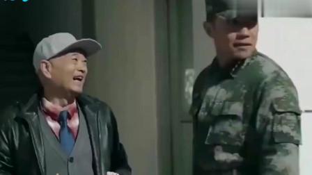 陆战之王:暴发户上部队找儿子,不想儿子是兵王:我给你买辆坦克