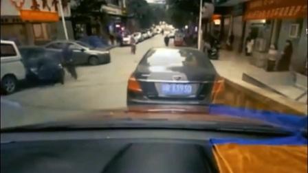 """这种""""马路杀手""""谁遇上谁倒霉,5秒后画面太惨"""