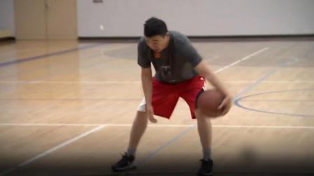 华裔民主党候选人挑衅特朗普:来篮球场单挑!