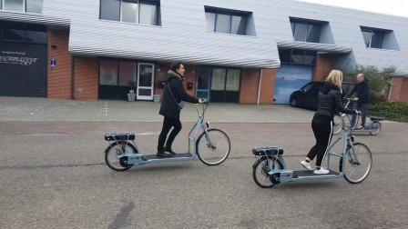 """23岁大学生自制""""跑步""""自行车,时速40公里,600元造一台"""