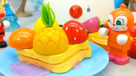 红果果水果切切看 面包超人做水果蛋糕,水果蔬菜切切看