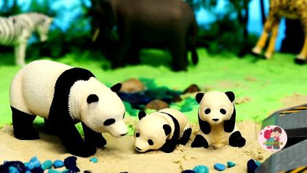 森林里动物,大熊猫斑马大象长颈鹿,建造沙滩小溪水绿树,儿童玩具亲子互动