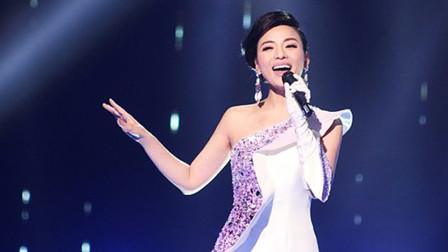 陈思思现场献唱《读你》,嗓音太美妙了,让人怦然心动!