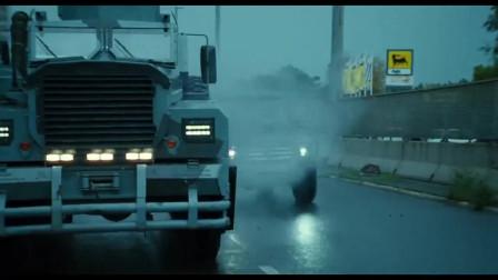 虎胆龙威:这是我看过最劲爆刺激的好莱坞动作片 怎么看都过瘾!