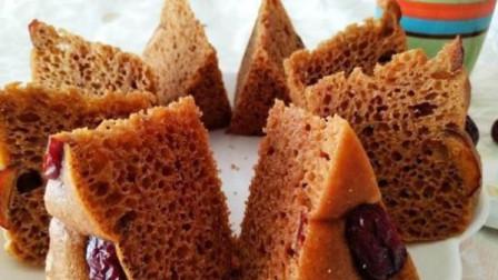 红糖发糕最懒人的做法,简单搅一搅,松软筋道,比蛋糕还香!