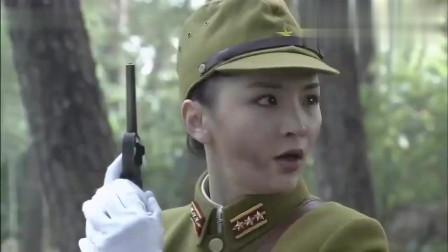 日本女军官追杀农民大叔,不料大叔不简单