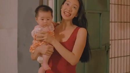 美女被负心汉抛弃,竟身穿红裙子抱着孩子跳楼,变成厉鬼来复仇