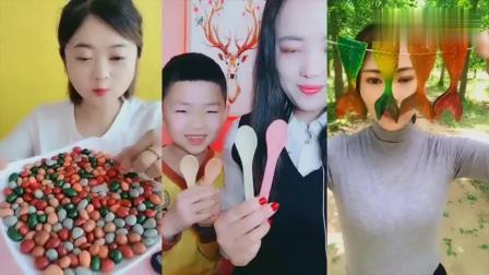 美女直播吃彩色小石头巧克力、彩色鱼尾果冻,是我童年向往的生活
