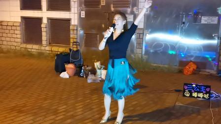 香港三公主妙妙演唱《喝醉以后才明白》,很不错的一首歌曲