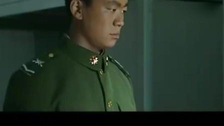 士兵突击:成才拿着瞄准镜,问了三多一个问题,三多说能