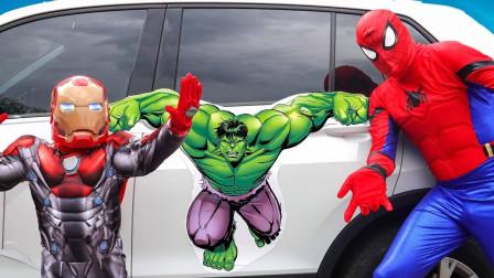 超神奇!萌宝小正太和爸爸怎么突然变蜘蛛侠和绿巨人?是魔法吗?儿童亲子趣味游戏玩具故事