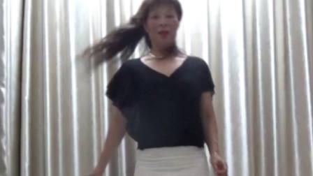 洋雪梅广场舞《广场舞妈妈》