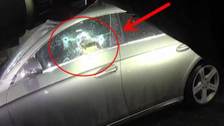 """男子神志不清做出危险举动,6名警察连开数枪打成""""马蜂窝""""!"""