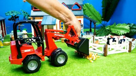 红色装载车搬运玉米喂大花牛,儿童玩具游戏,亲子互动悠悠玩具城