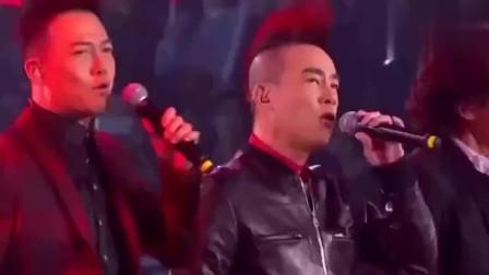 陈小春携手郑伊健演唱《友情岁月》,音乐响起时,勾起了无数回忆
