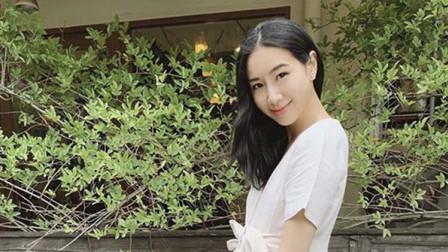 八卦:吴雨霏晒二胎孕肚写真 穿开叉裙优雅
