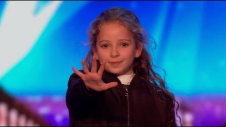 """8岁女孩上达人秀,""""奇怪""""接连发生,观众评委感叹,破绽在哪?"""