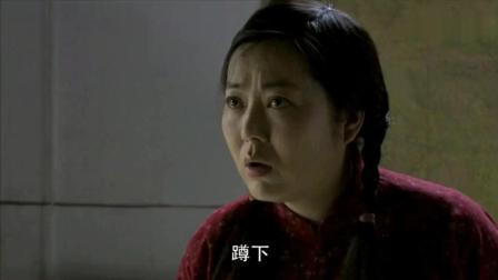 小麦进城: 农村媳妇就是猛, 城管抓人别人老实蹲着, 就她敢抢东西跑