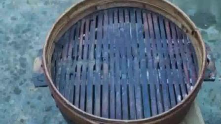川味:四川特有美食川味咸烧白,那个肉酱红油亮的,巴适得很!