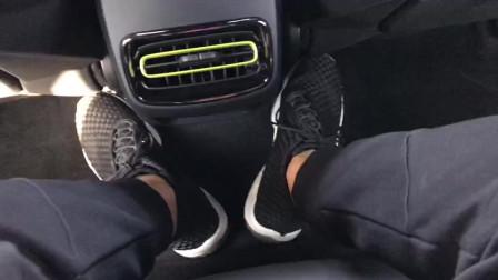实拍:2019款领克03+性能套装版后排细节,四驱座椅中间凸起较大