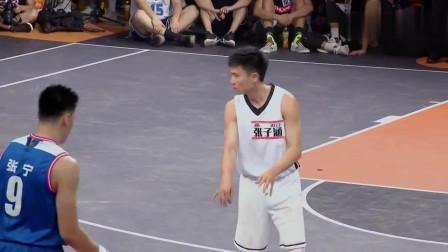 """我要打篮球:""""魔王""""张宁轻松得分,""""篮下霸主""""铁牛反击不甘示弱!"""