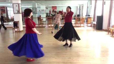 美丽祥云姐姐和紫玉共舞 麦西来普跳起来 制作 紫玉