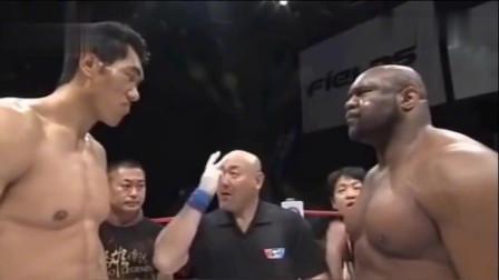 美国拳手扬言在中国没有对手,不想在擂台上却遭董建军三两下打趴