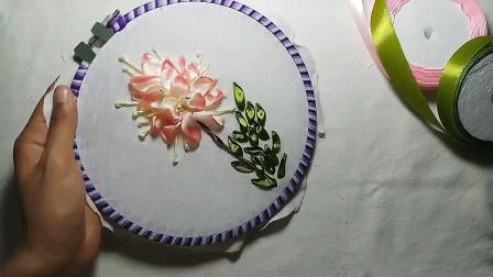 手工刺绣教程,看看如何用缎带绣花的方法,简单易学!