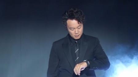 现场:陈奕迅全黑造型气场十足 为演唱会努力健身