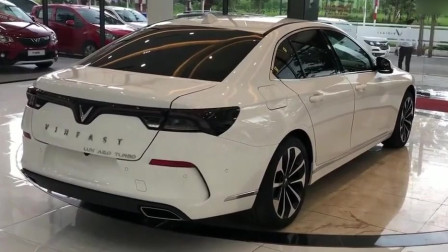 犀利运动高颜值越南中型轿车,实拍欣赏Vinfast Lux A2.0。