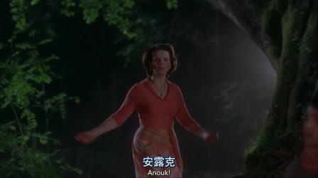 浓情巧克力:夜色朦胧里偷偷放火,母亲为寻找女儿,疯狂的跳入河中