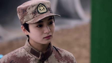陆战:牌子后面一串数字没人懂,怎料女兵一眼看出是男友写的情书