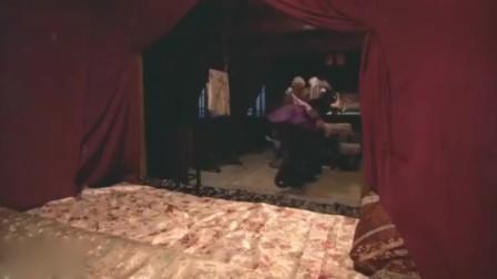 新水浒传:潘巧云与和尚在家,不料有贼人冲入家中