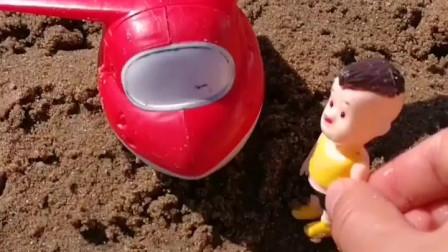 光头强出来找熊大熊二,结果自己掉水里了,小铲子救他上来!