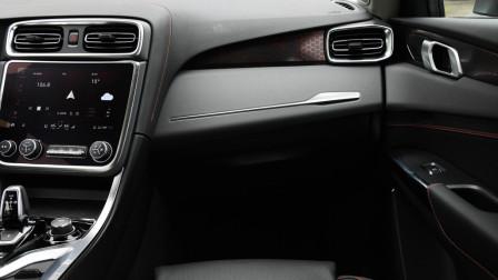 国产豪华SUV,统一价15万,搭载沃尔沃2.0T发动机,匹配进口6AT