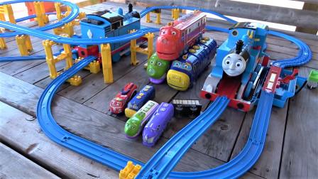 开箱组装托马斯小火车和恰恰特快车的大型城市轨道交通系统
