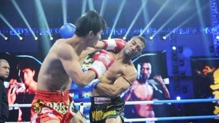死神方便经典一战,四次击倒KO不败拳王马库斯,主持人激动落泪