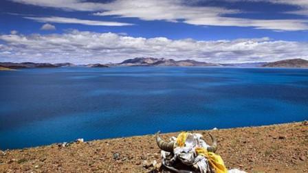 """西藏有个神秘""""鬼湖"""",景色虽然迷人,但为何人畜都不靠近?"""