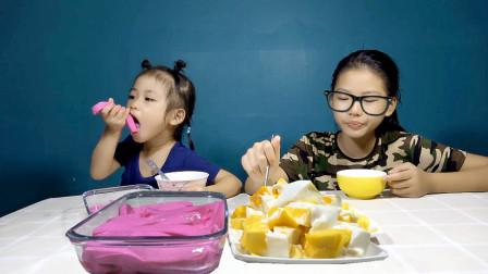 牛奶+芒果+火龙果做出来的甜品好爽口,比冰淇淋还好吃,入口即化