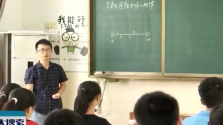 上饶·简伟伟:三尺讲台育桃李 一支粉笔写春秋