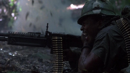 美国越战电影:美军丛林被越军伏击,伤惨重,真是此一时彼一时