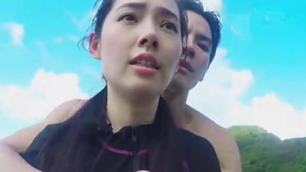 向佐郭碧婷开游艇只拍上半身,镜头切换全身后,网友笑出腹肌