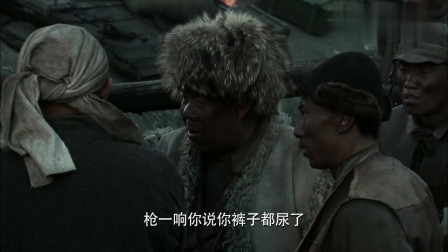 二炮手:贼九在战场上吃鸡蛋,被发现后就开始装傻,真逗