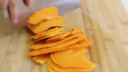 美食:南瓜发糕最好吃的做法,不用一滴水,比蛋糕面包还好吃