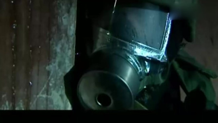 士兵突击:士兵们进入充满毒气的防空洞,这是训练吗