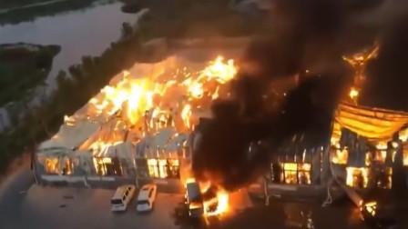 损失惨重!厦门一纸厂员工电焊起火 隔壁厂价值千万设备也遭殃