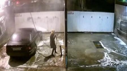 """美女""""扛着""""水枪洗车,尴尬一幕发生了!"""