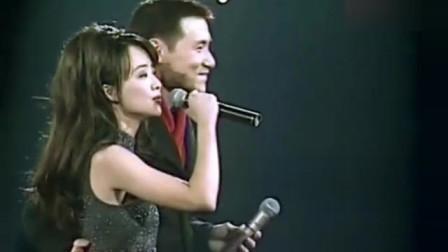 陈慧娴演唱会上甜蜜的一幕,唱到高兴,亲了张学友一下下