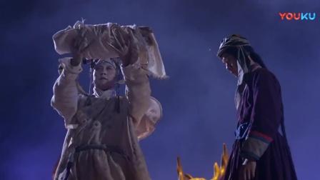 东方三侠:美女偷孩子抱进下水道,里面都是疯子,竟选孩子当皇帝