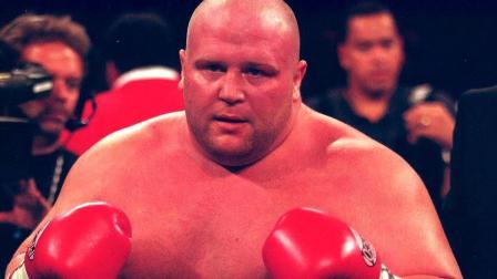 """400斤的""""奶油豆""""拳王一回KO肌肉男,太彪悍了!"""